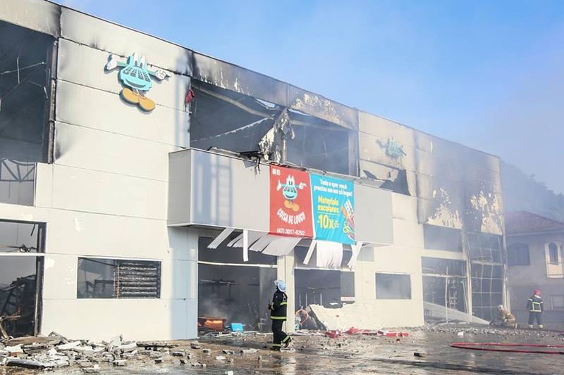 Fogo destruiu loja no dia 31 de janeiro | Foto Arquivo/OCP News